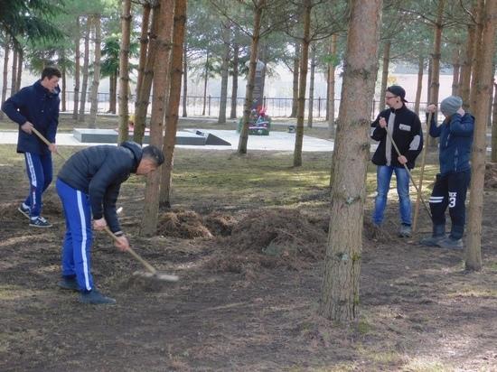 Традиционные субботники стартовали в Тверской области