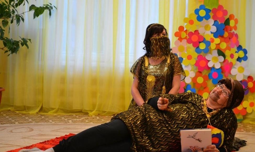 Воспитательницы детского сада в Тверской области рассказали сказку Шахерезады