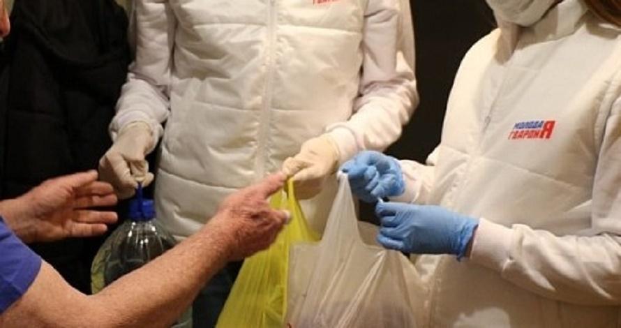 В Тверской области волонтёры доставляют необходимые продукты и лекарства пожилым людям