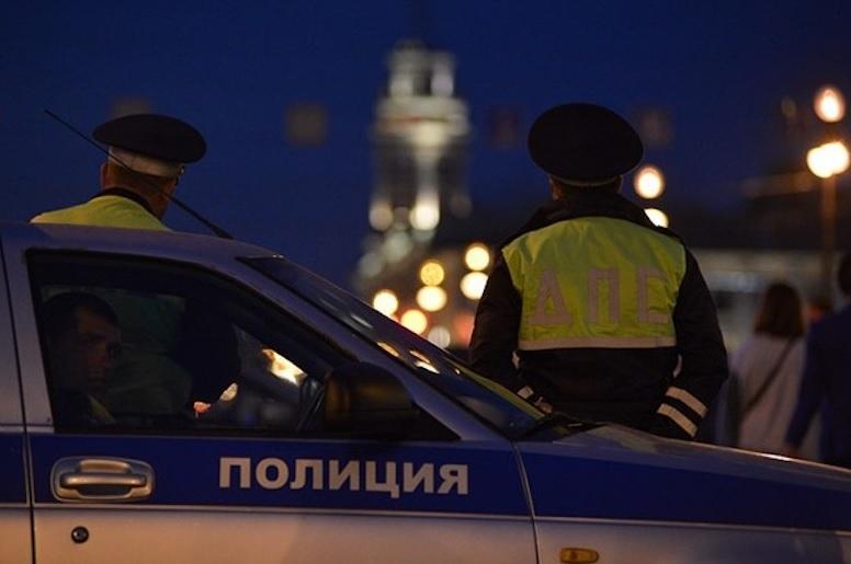 Женщина в Твери нарушила ПДД, отказалась подчиниться и сбила инспектора