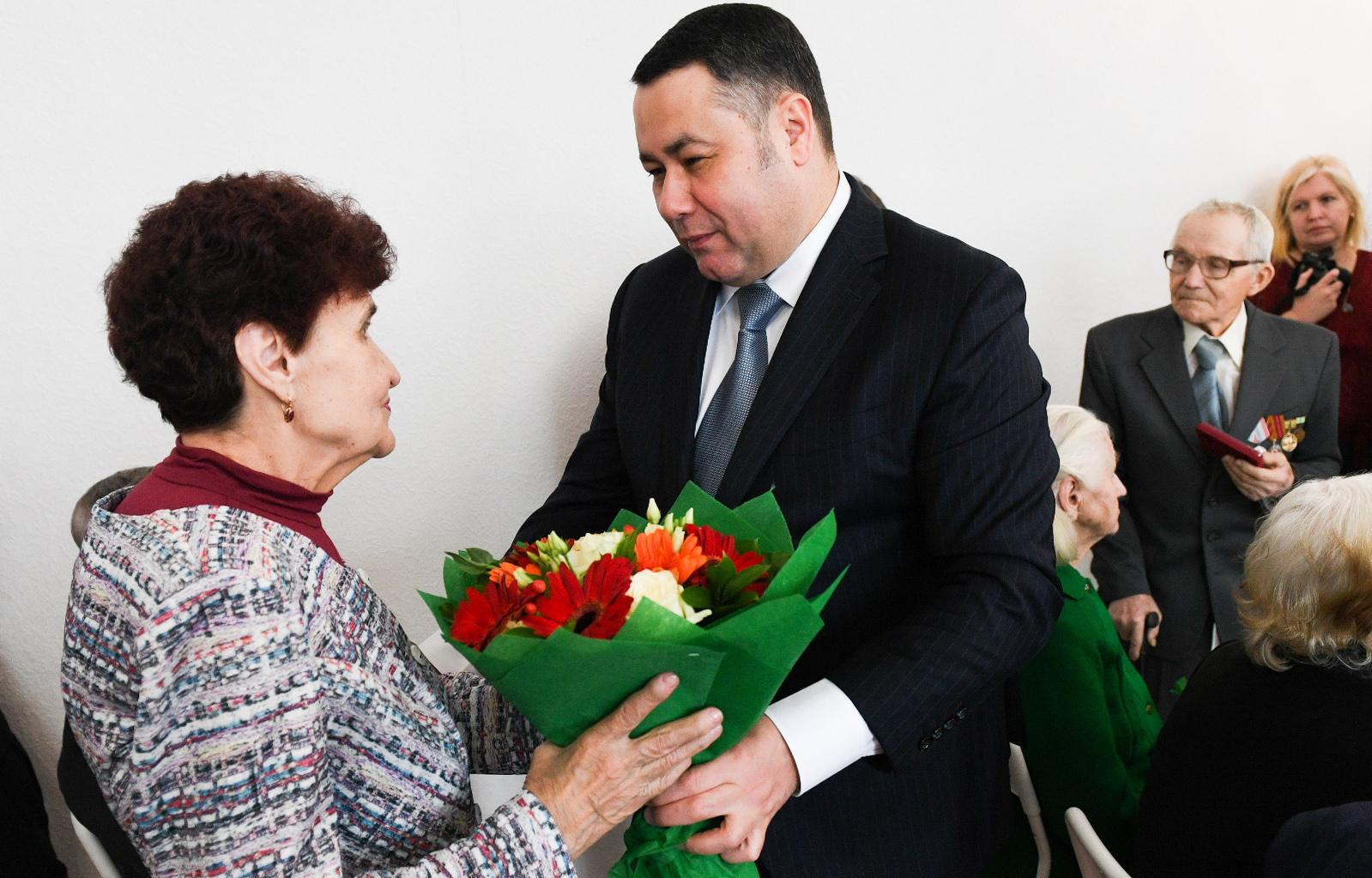 Игорь Руденя вручил медали  ветеранам города Торжка