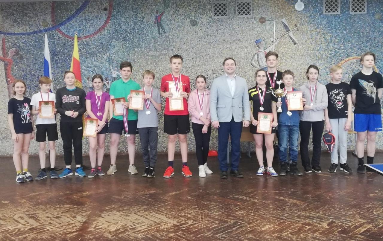 Турнир по теннису среди учащихся прошел в Твери