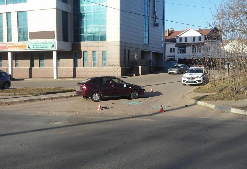 В Твери водитель легковушки перевернулся во время погони