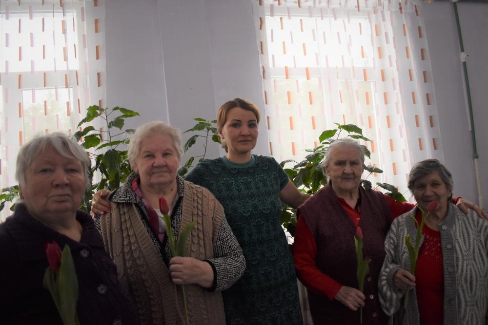 В Тверской области устроили праздничный концерт для жительниц дома-интерната