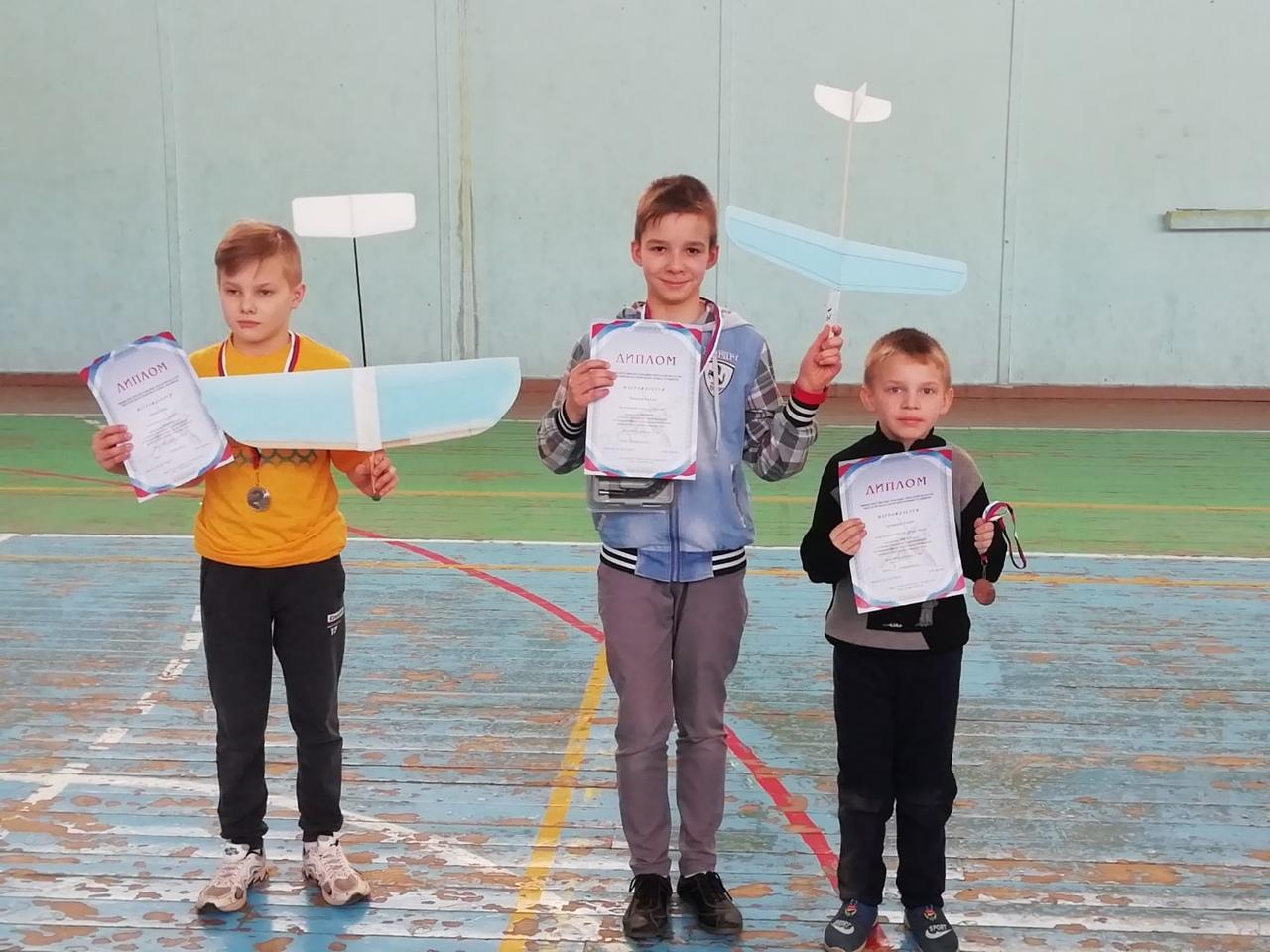 В Твери прошли соревнования по авиамодельному спорту