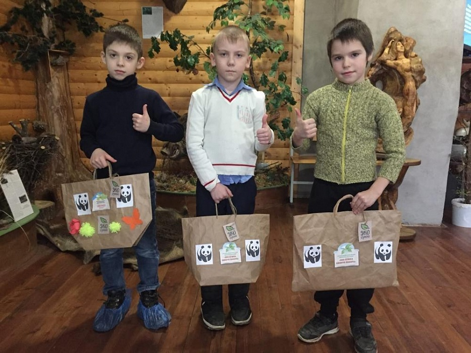 В Тверской области юный умельцы изготовили экосумки