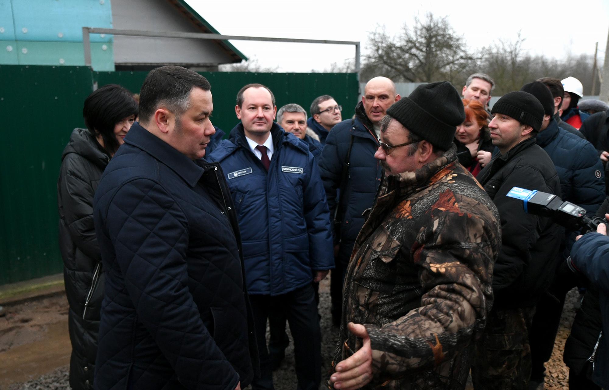 Губернатор проконтролировал реконструкцию бесхозной подстанции в Кимрах
