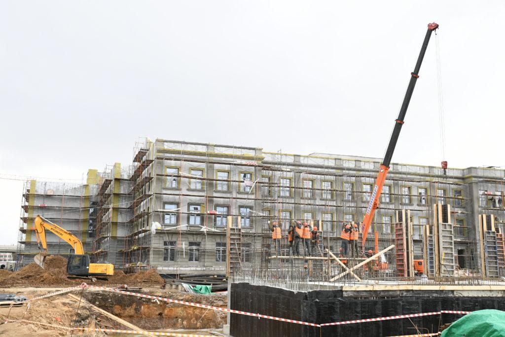 Новый корпус тверского Суворовского военного училища строят с опережением графика