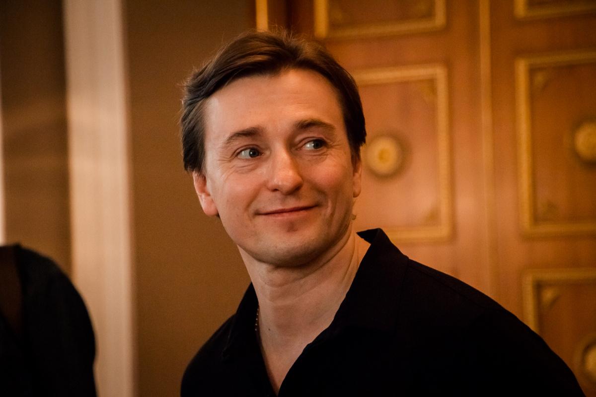 Сергей Безруков приезжал в Тверь и попросил поклонников не паниковать