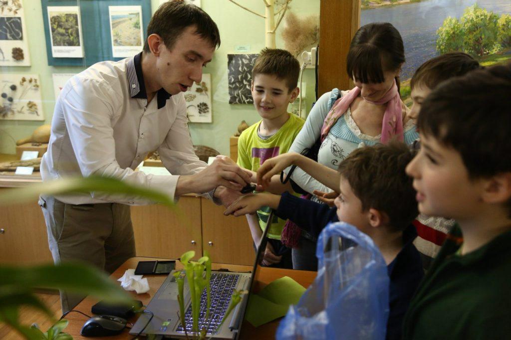 Ботанический сад ТвГУ приглашает покормить хищные растения