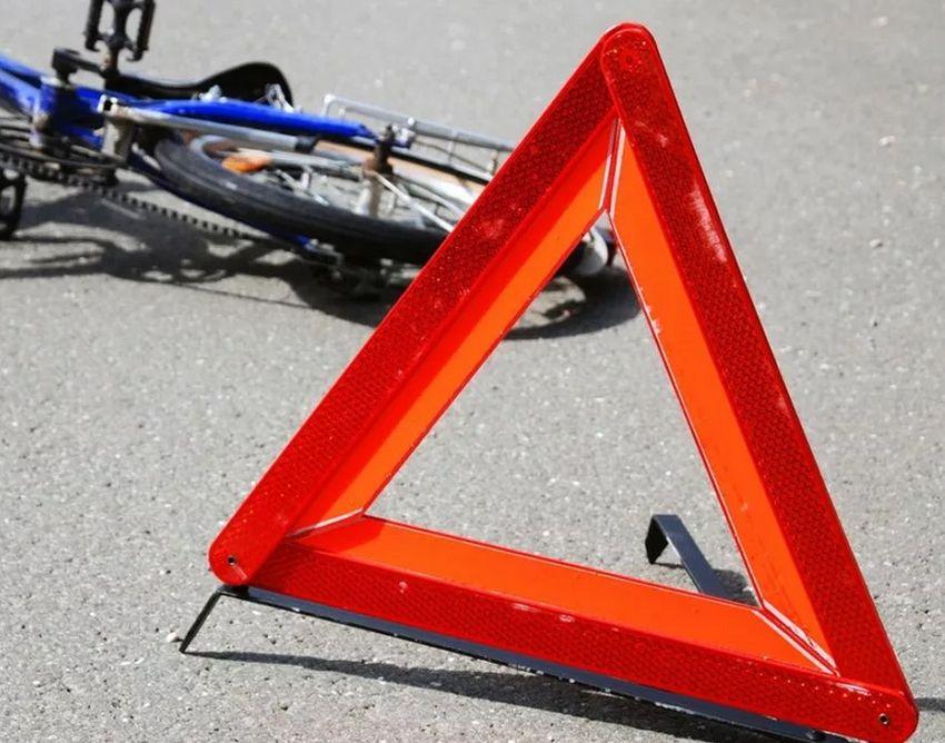 В Тверской области водитель иномарки не заметил велосипедистку