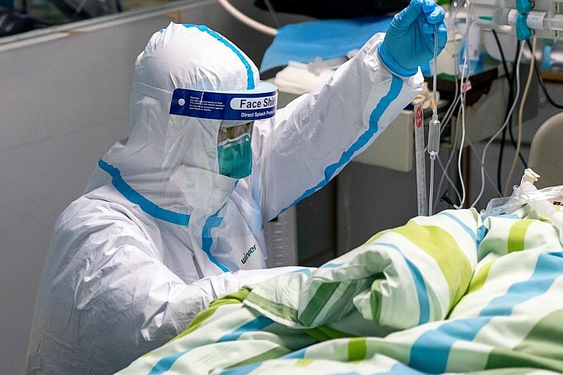 Девять врачей из Твери заразились коронавирусом в Москве