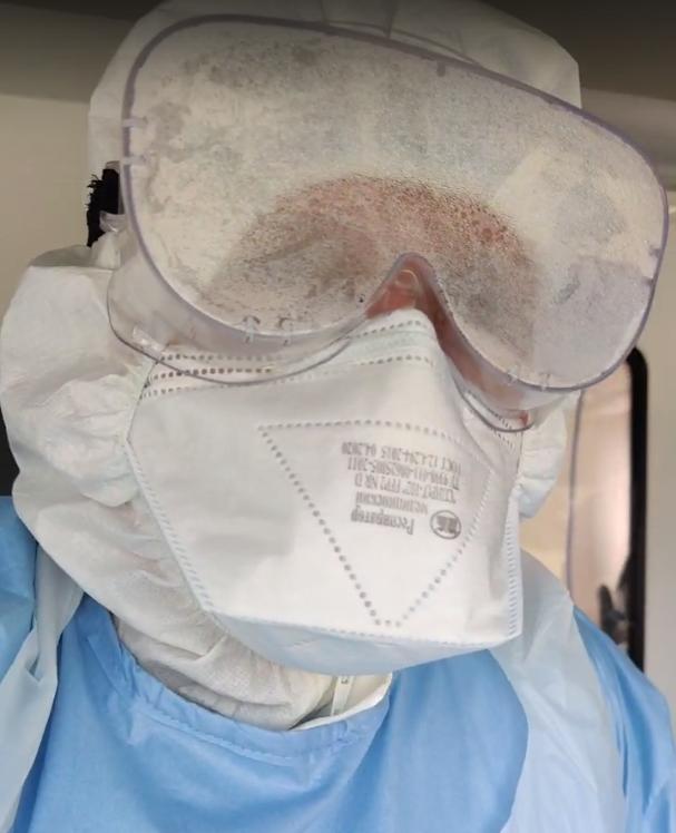 Пока пациента с коронавирусом везли в инфекционный госпиталь в Твери, врач записал видеообращение