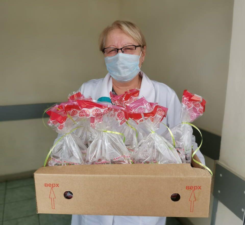 Пекарни Лихославля сделали врачам на Пасху вкусные подарки