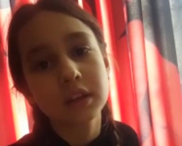 Девочка из Тверской области красиво читает стихотворение про войну
