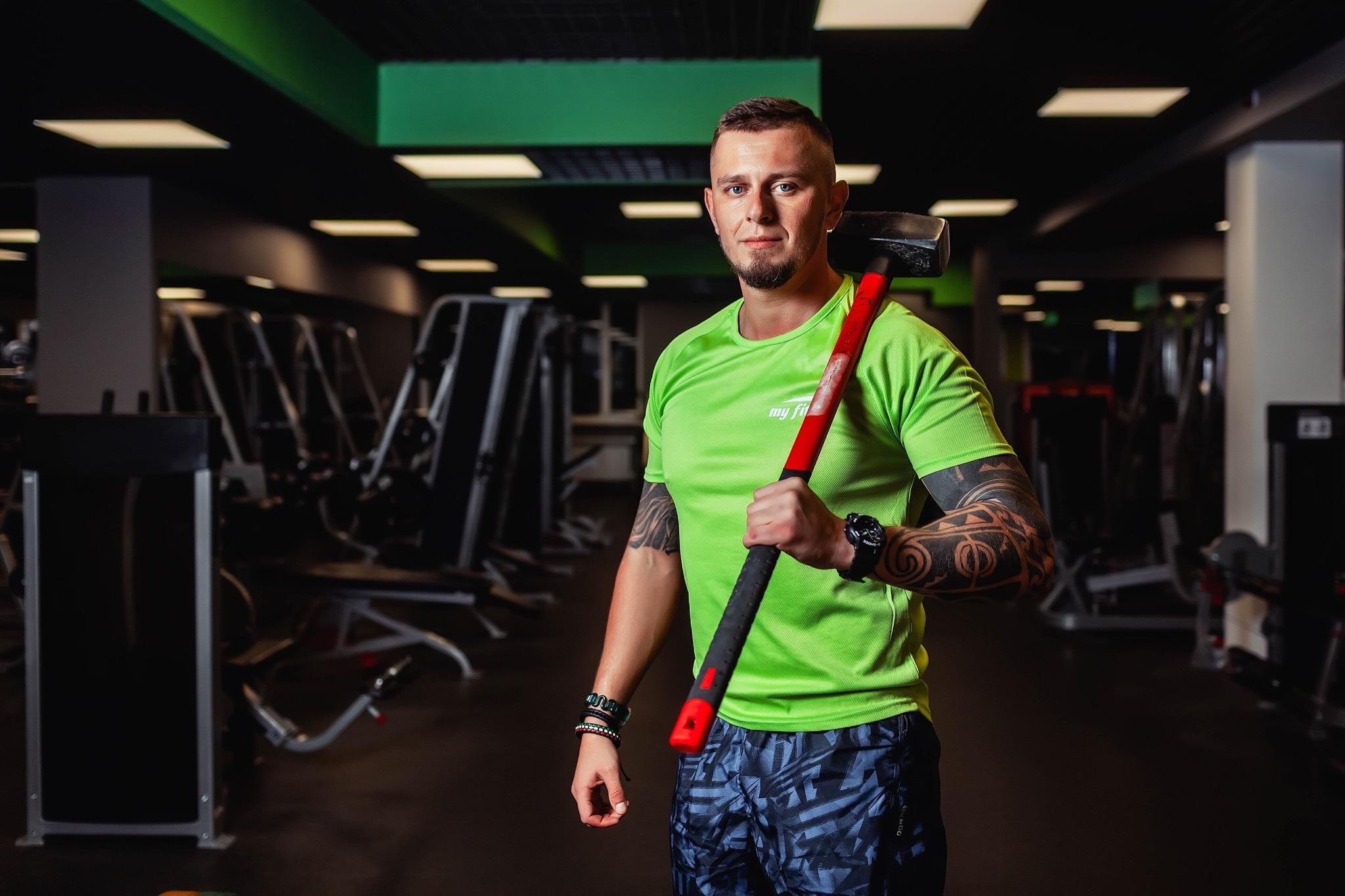 Фитнес-тренер из Твери на самоизоляции пробежал марафонскую дистанцию