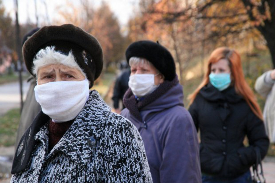 Предъявить разрешение на выход из дома требуют мошенники у жителей Тверской области