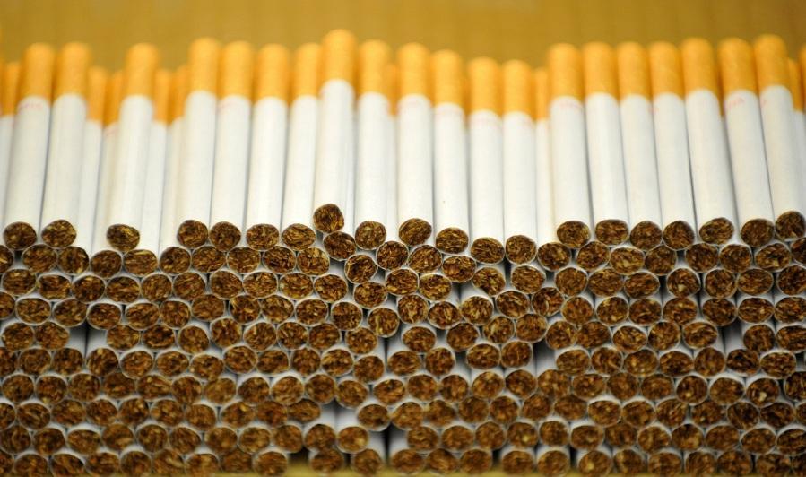 В Тверской области полицейские пресекли сбыт контрафактных сигарет