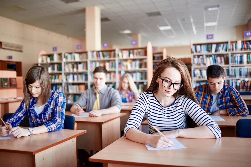 В Конаковском районе 11-классники сдали пробный экзамен по математике