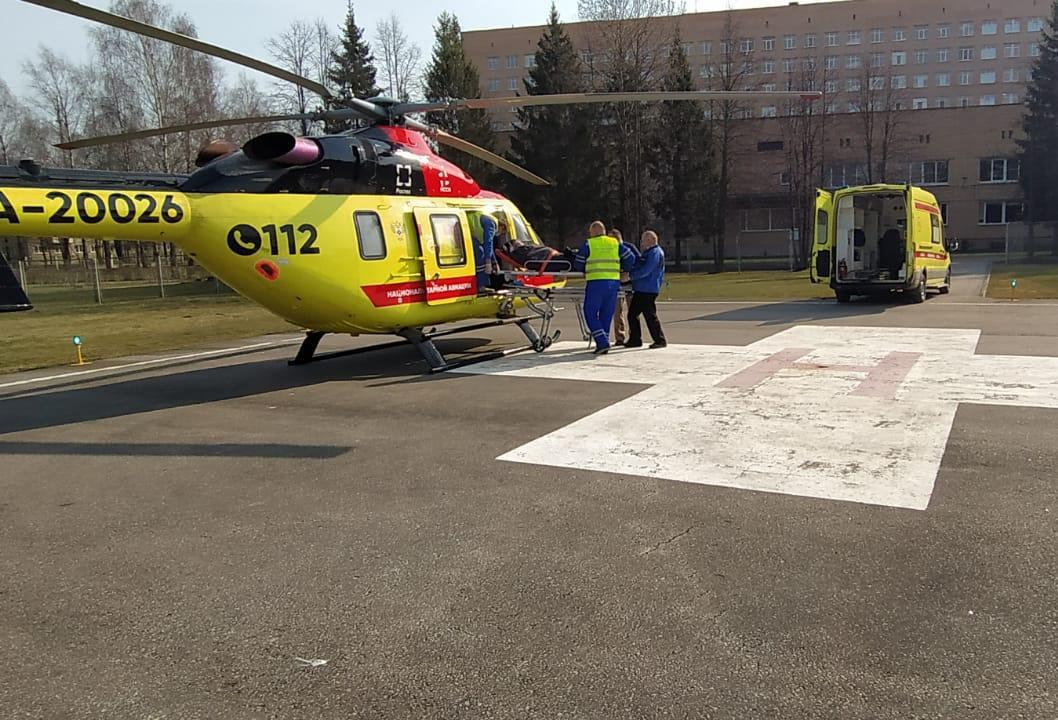 В Тверь вертолетами двое детей  доставлены в больницу