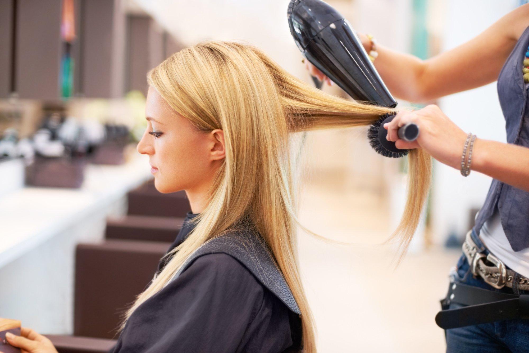 В Тверской области возобновят работу парикмахерские