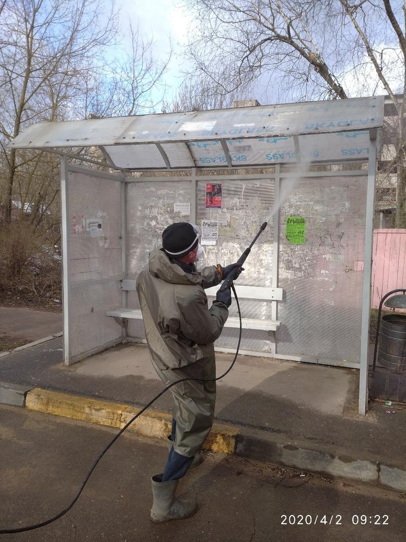 В Тверской области обрабатывают антисептиками остановки
