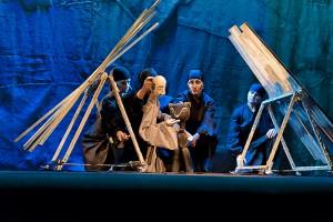 Спектакль «Журавлиные перья»: как постановка Тверского театра кукол собрала главные награды