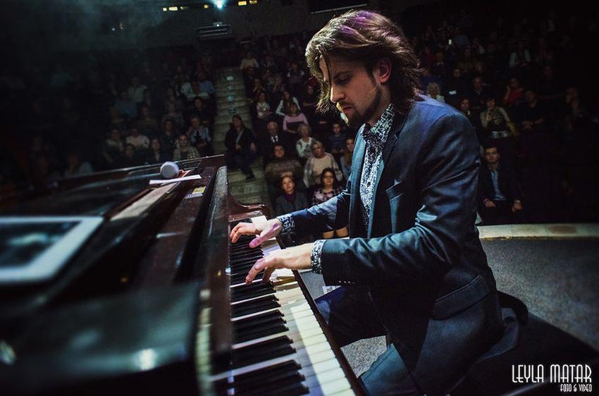 Тверской пианист Евгений Соколовский повторит свой благотворительный концерт онлайн