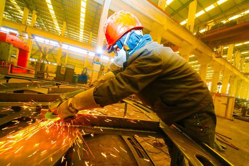 Стал известен список тверских предприятий, которые возобновят работу