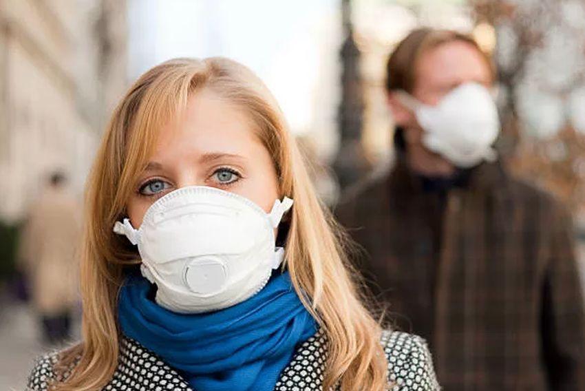 Жителям Тверской области не советуют носить маски на улице