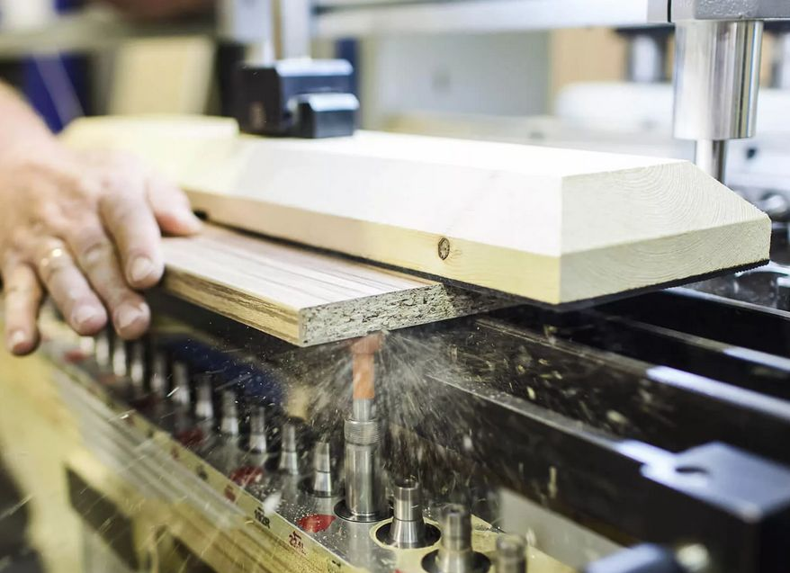 В Тверской области разрешено работать в апреле представителям 60 видов экономической деятельности