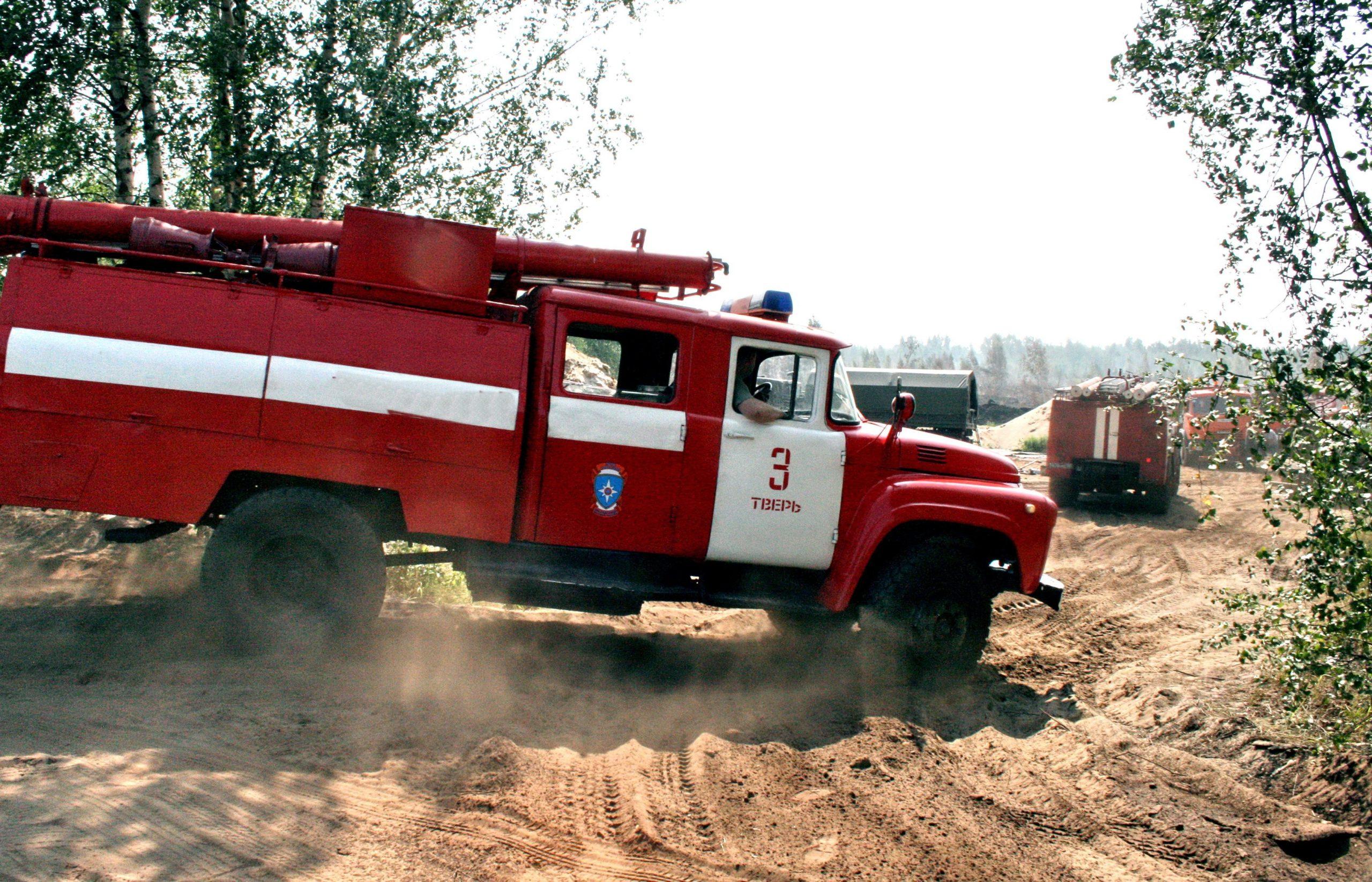За три недели в Твери ликвидировано более 100 возгораний сухой травы