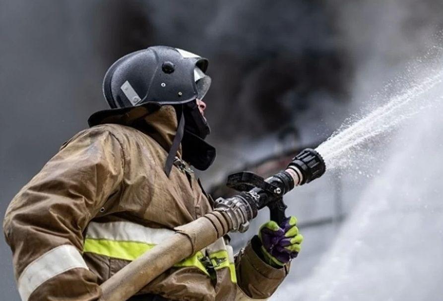 Бывшее трамвайное депо горело в Твери