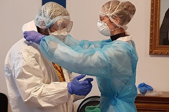 В Твери священники-добровольцы будут причащать больных коронавирусом