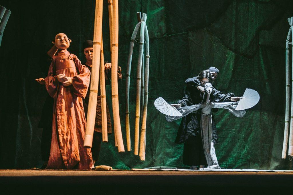Тверской театр кукол покажет «Журавлиные перья» онлайн