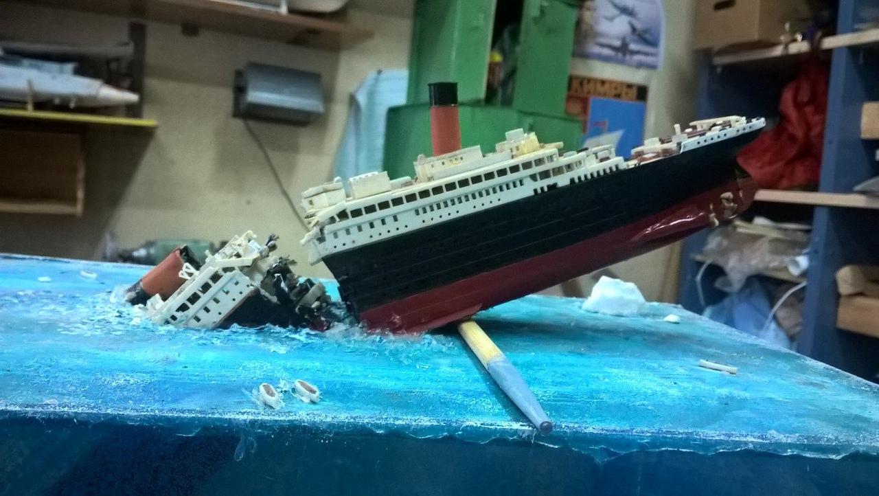 Студент-архитектор из Кимр создал диораму тонущего «Титаника»