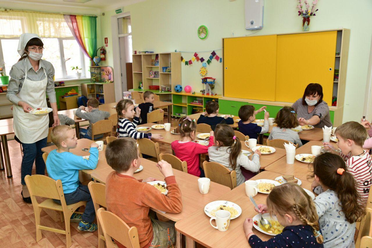 В детских садиках Твери продолжают работу дежурные группы