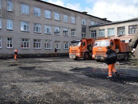 В поселке Тверской области приводят в порядок дворы и улицы