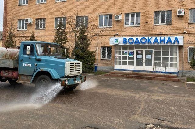 В Твери начали дезинфицировать улицы хлорным составом