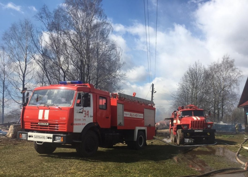 Восемь домов сгорели в Тверской области