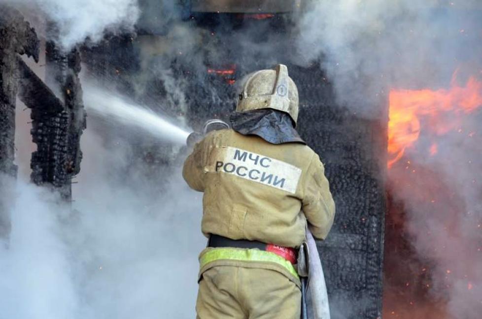 В Тверской области при пожаре в нежилом доме погиб мужчина