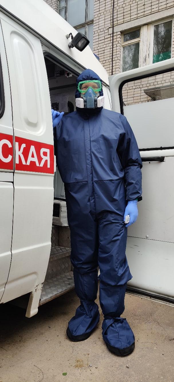 Добровольцы прислали врачам Тверской области костюмы биозащиты