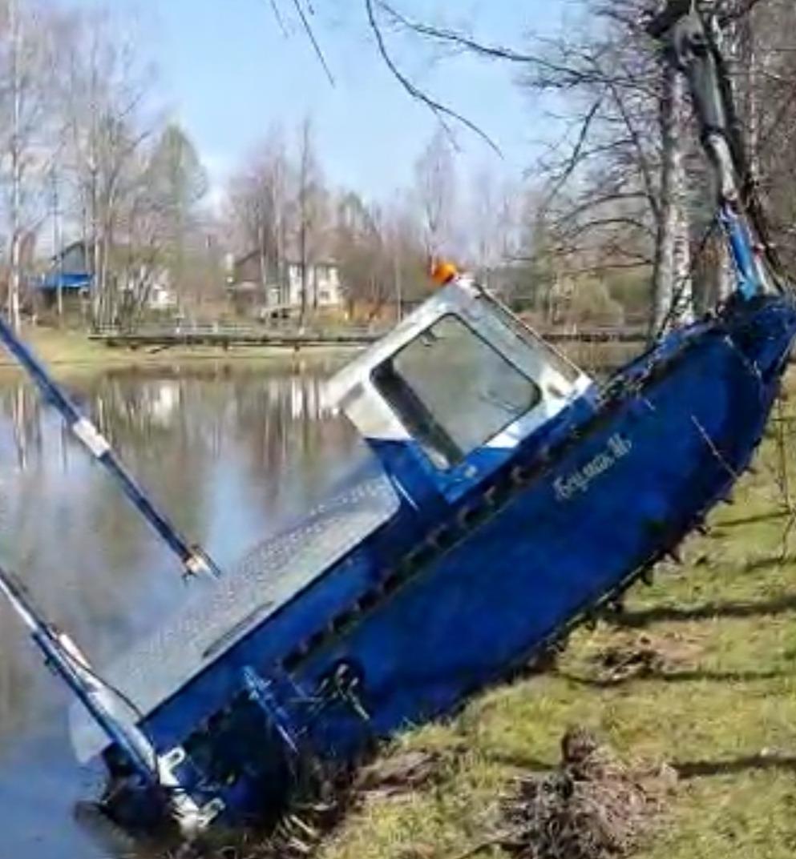 В Тверской области спасли утонувший земснаряд