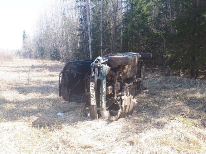 В Пеновском районе Тверской области перевернулся автомобиль