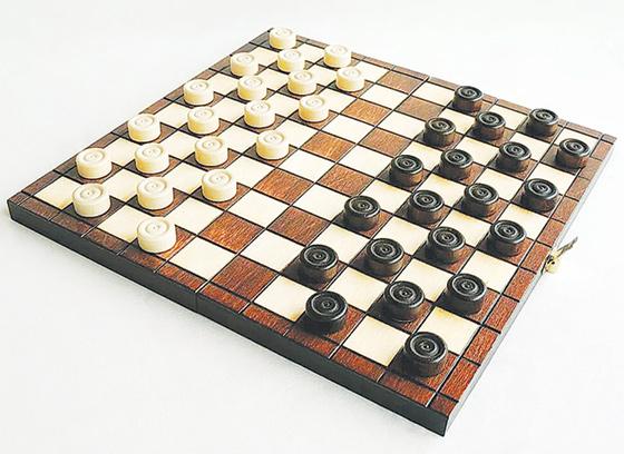 Житель Тверской области стал победителем чемпионата по шашкам