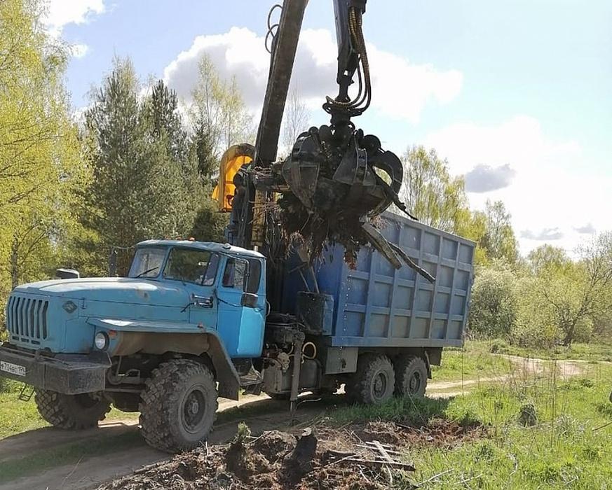 В Ржеве ремонтируют дороги и убирают мусор