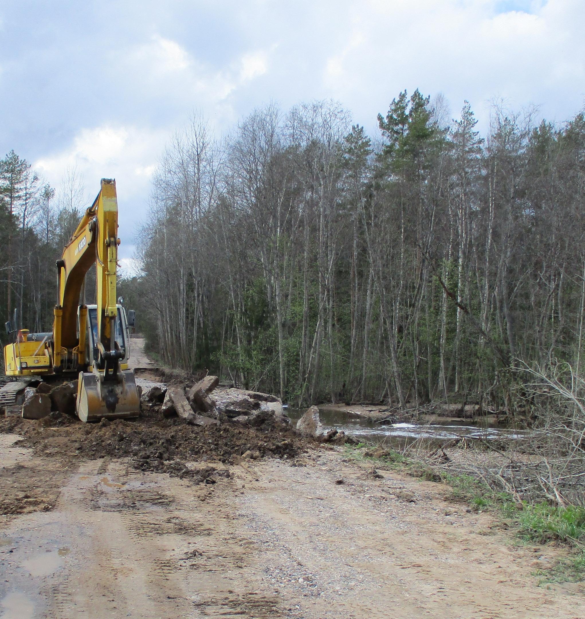 В Тверской области восстановили часть размытых ливнями дорог