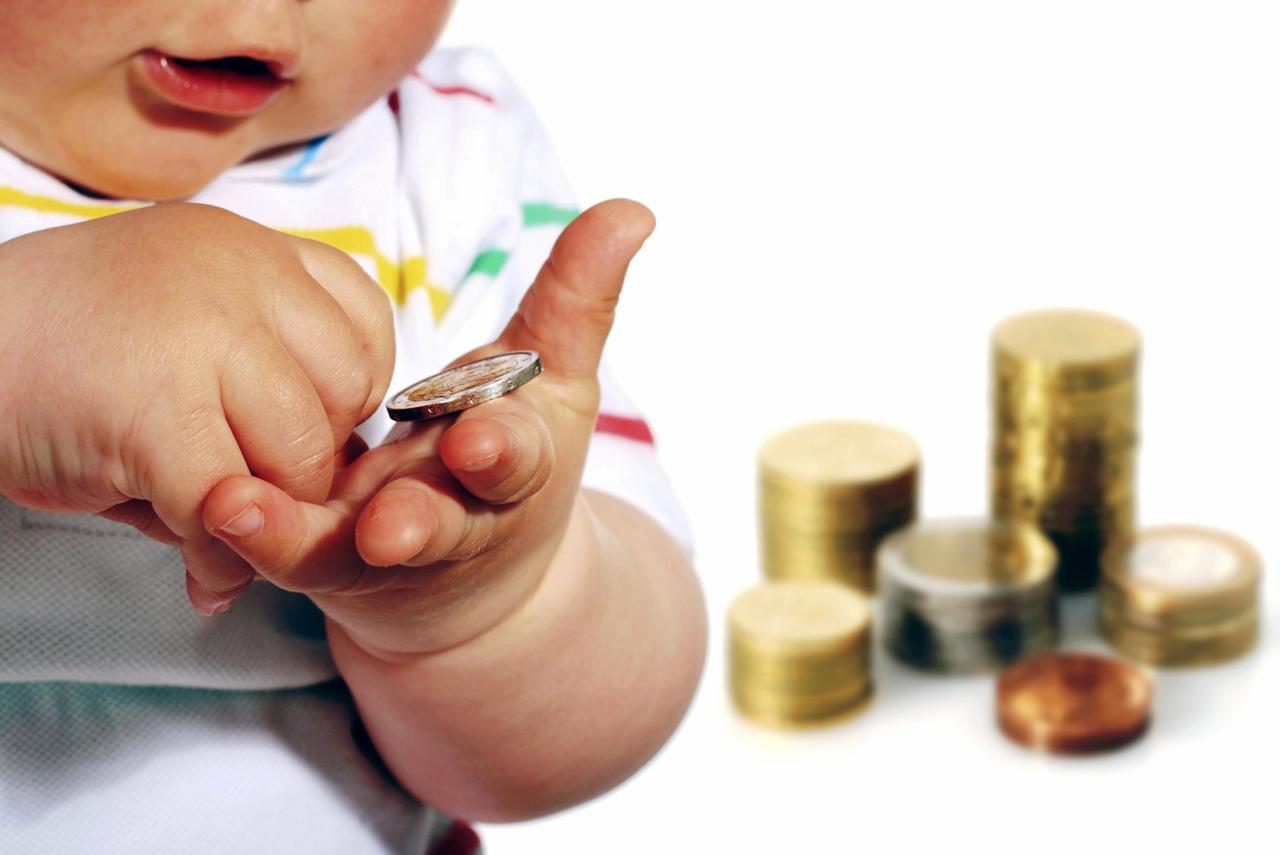 Семьи Тверской области с детьми до трех лет получат по 5 тысяч рублей