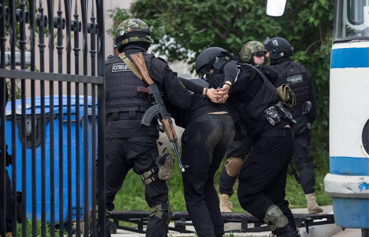 Пистолет Макарова и три коктейля Молотова: как в Тверской области задержали террориста
