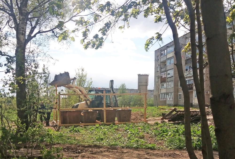 В Тверской области огораживают контейнерные площадки